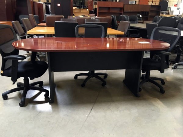 6 ft conf table mahogany laminate with blk base