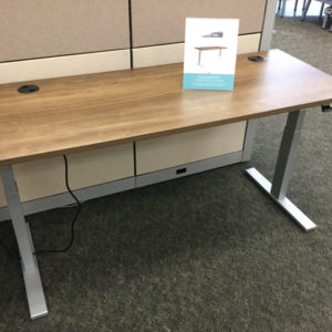 Hon adjustable table