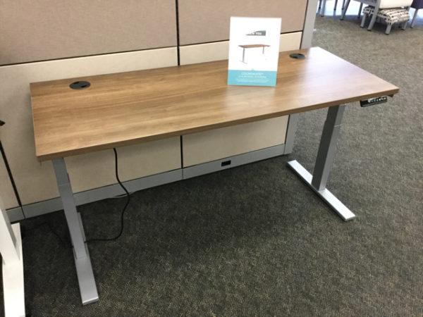 Hon adjustable table