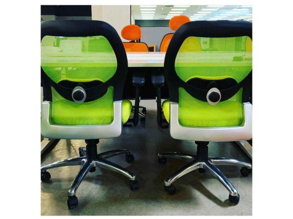 Green mesh task chair